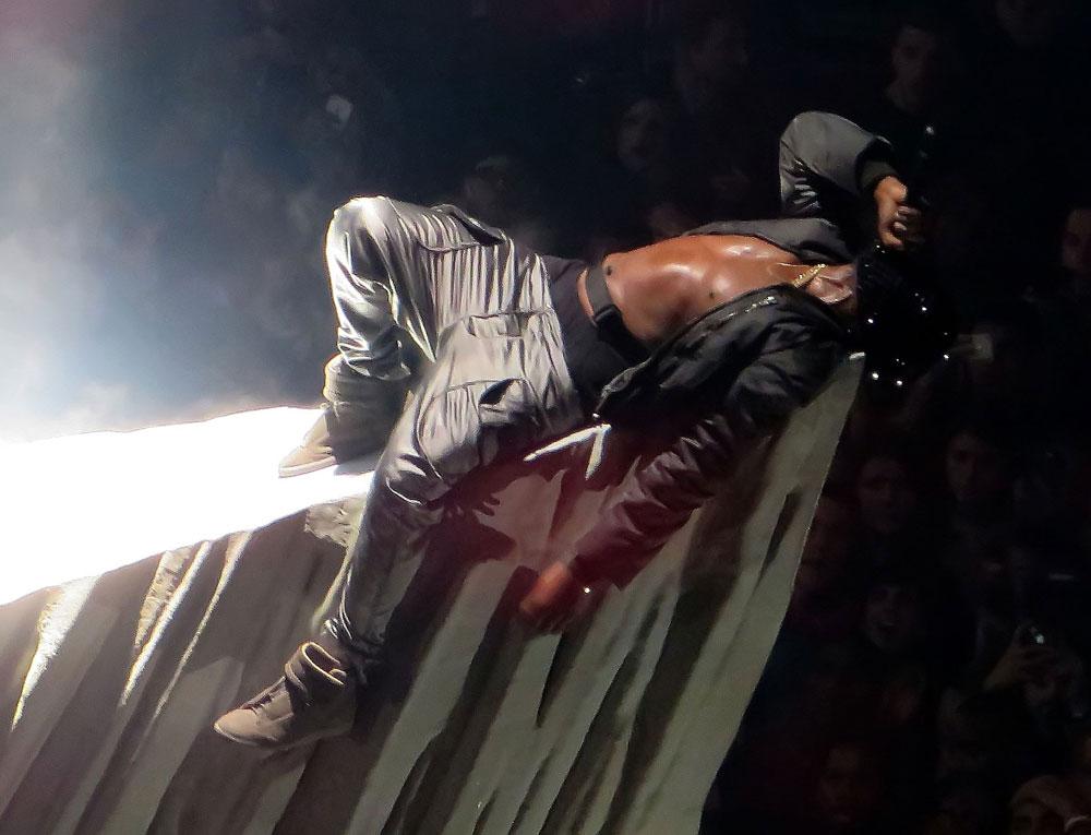 Kanye west and kendrick lamar yeezus tour madison - Kanye west tickets madison square garden ...