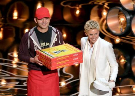 476275539-host-ellen-degeneres-with-pizza-delivery-man-onstage.jpg.CROP.promo-mediumlarge
