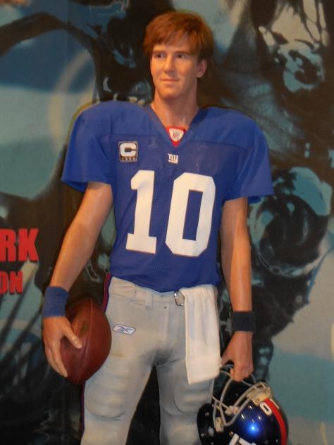 Hahaha...Eli Manning's hair is terrible.
