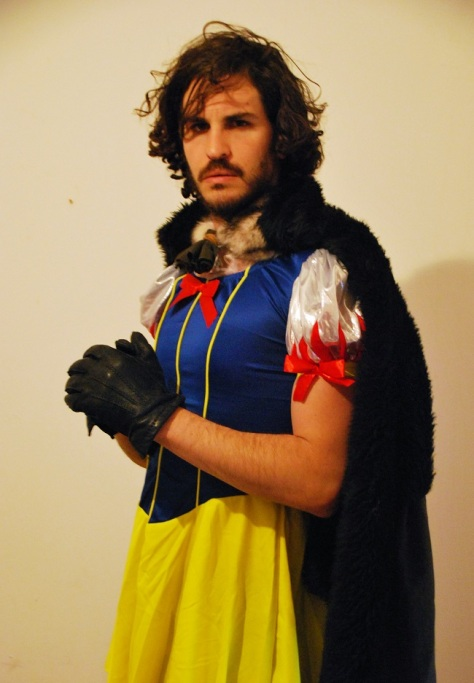 cosplay-puns-disney-game-of-thrones-jon-snow-white-costume-01 ... Jon Snow White cosplayed by Yuval Avrami, photographed by Alonavrami. cosplay-puns-disney-game-of-thrones-jon-snow-white-costume-01 ... Jon Snow White cosplayed by Yuval Avrami, photographed by Alonavrami. https://www.reddit.com/r/pics/comments/4c14m5/my_brother_went_as_jon_snowwhite_for_purim_jewish/