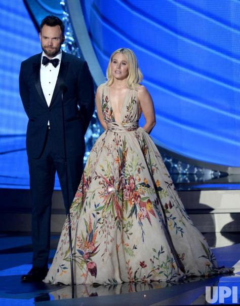 onstage-at-the-68th-primetime-emmy-awards_7_1