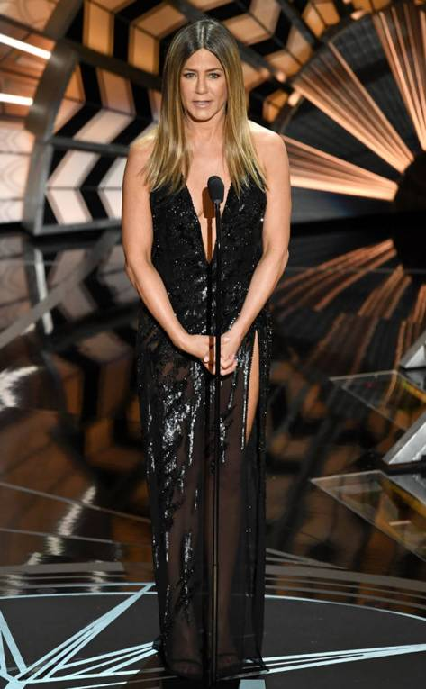 rs_634x1024-170226202812-634-jennifer-aniston-academy-awards